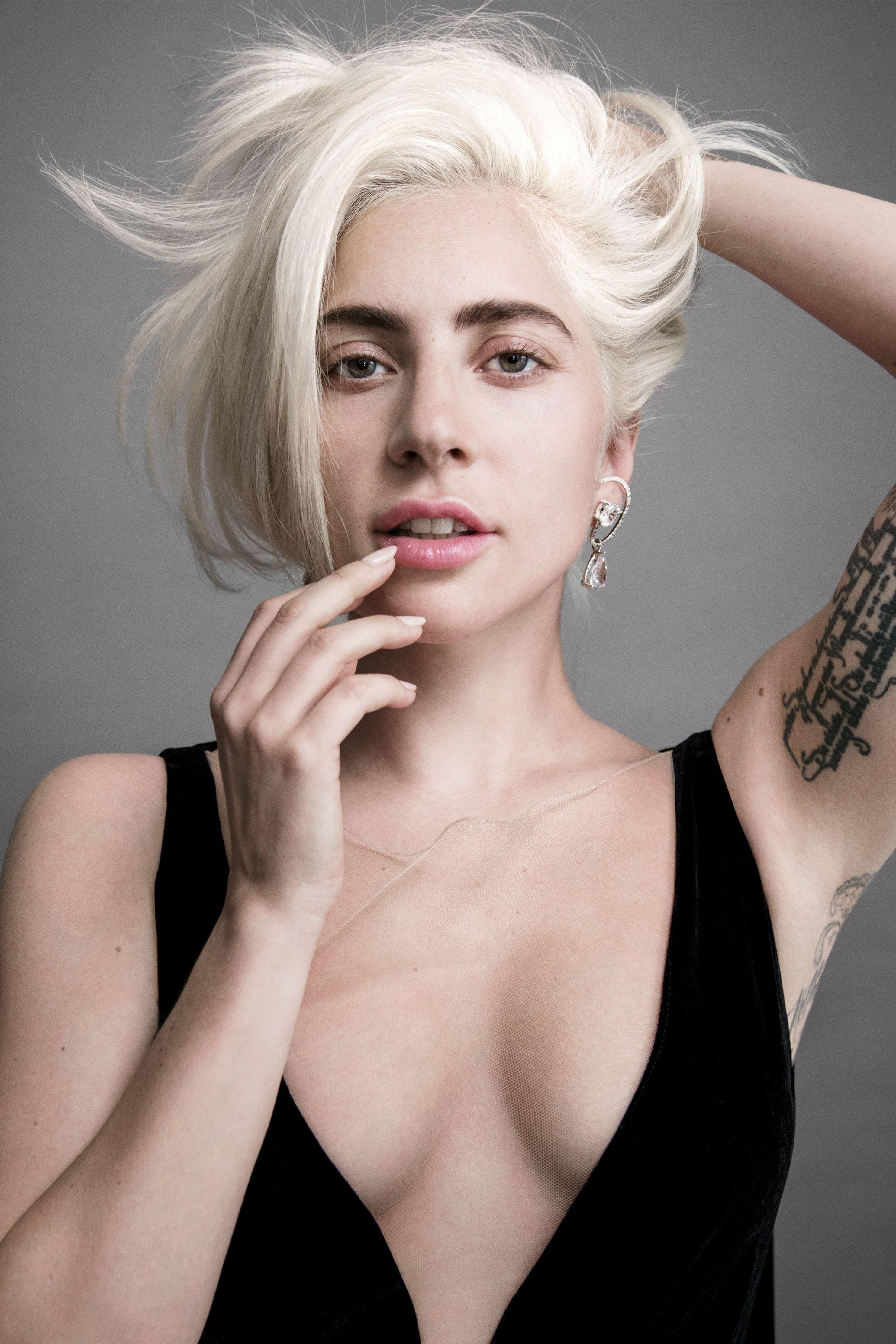 Lady Gaga真空高清性感图片